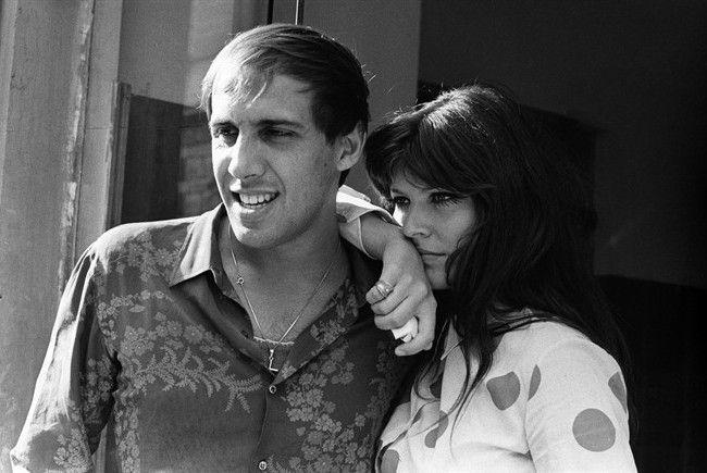 Adriano Celentano e Claudia Mori in una foto d'epoca.