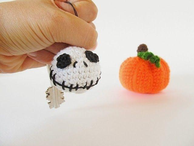 Jack Skellington Keychain - 25 DIY Non-Candy Halloween Treats