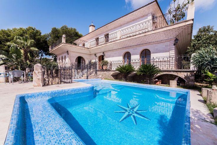 Bendinat, Sydvästra Mallorca: Imponerande villa med pool och havsutsikt i Bendinat uthyres.