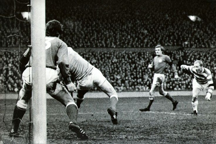 Celtic 2 Rangers 1 in Jan 1972 at Parkhead. Jimmy Johnstone heads Celtic infront in the Old Firm derby #ScotDiv1