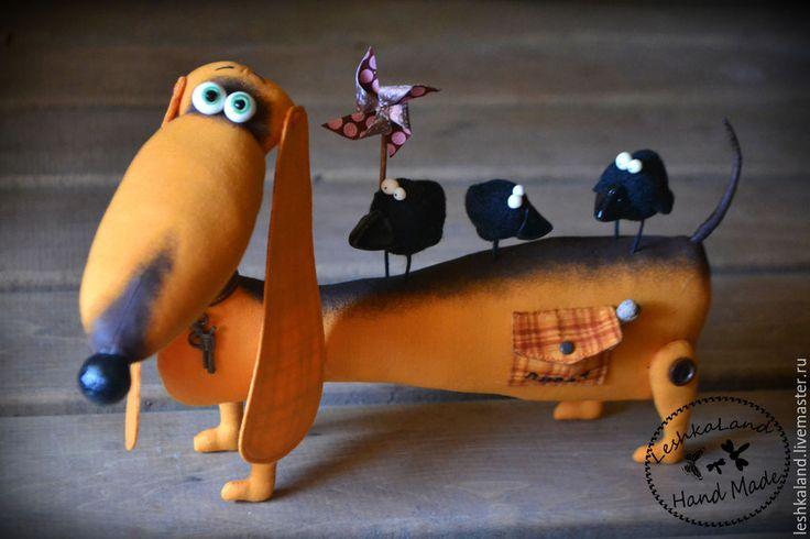 Купить Зеленоглазое ТАКСи - рыжий, собачка, прикольный, забавный, авторская игрушка, интерьерная игрушка