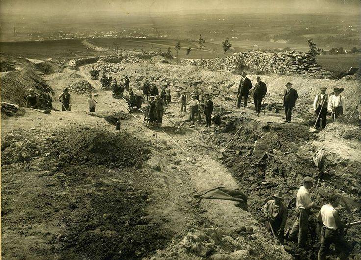 Stavba silnice k chatě Na Vyhlídce u Vamberka