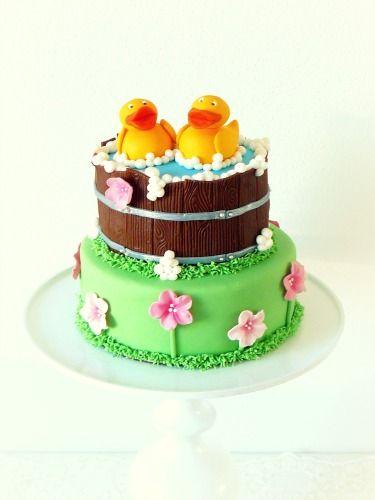 Children's Birthday Cakes - Rubber ducks cake