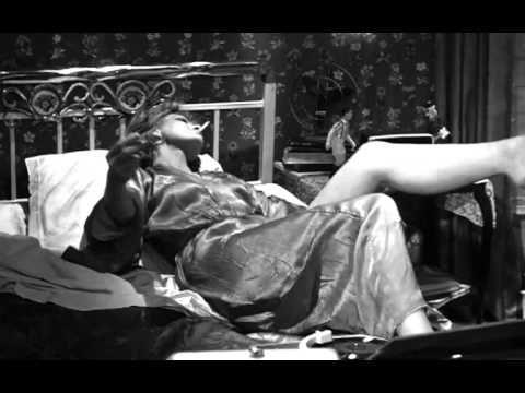 TRAVEL'IN GREECE I Melina Mercouri - Ta Paidia tou Piraia (Never On Sunday)