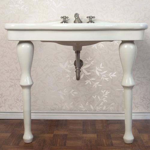 two leg pedestal sinkBathroom Things, Brass Consoles, Bathroom Inspiration, Decor Bathroom, Legs Pedestal, Kensington Bathroom, Consoles Sinks, Bathroom Ideas, Master Bathroom