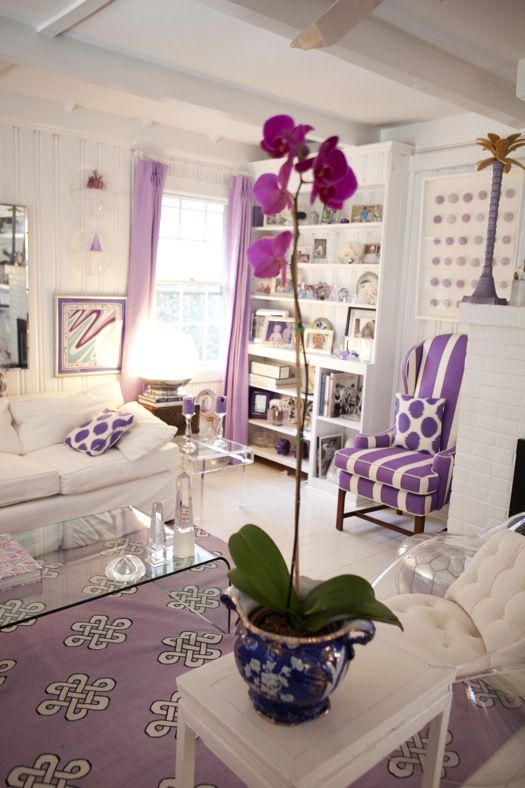 Home of fashion designer Jules Reid: Dreams Houses, Living Rooms, Colleges Dorm Rooms, Shades Of Purple, Colors Home, Purple Rooms, Accent Colors, Purple Bedrooms, Girls Rooms