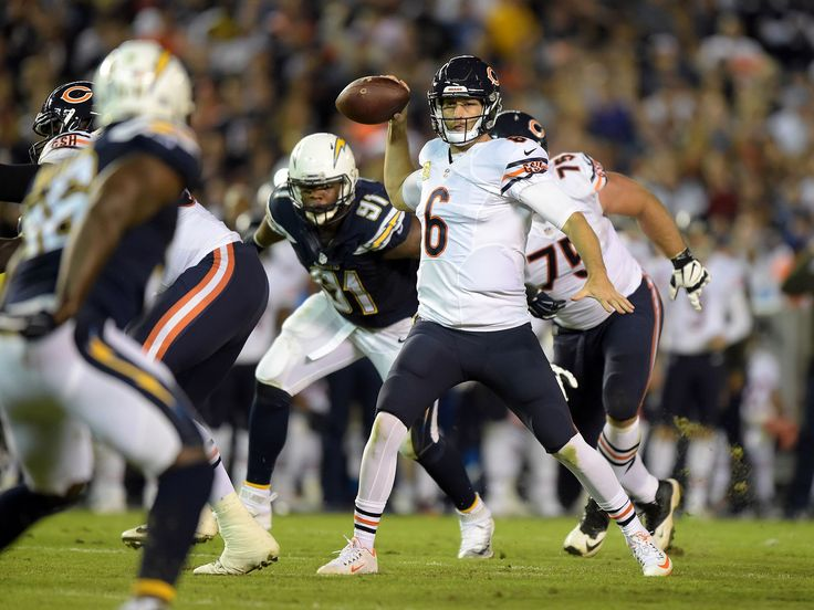 Chicago Bears quarterback Jay Cutler (6) throws a pass in the second quarter against the San Diego Chargers in a NFL football game at Qualcomm Stadium.  Kirby Lee, USA TODAY Sports