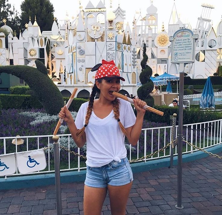 Best 25 disneyland outfits ideas only on pinterest for Best vacations in december for couples