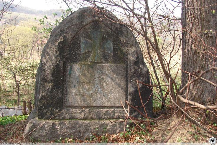 Katolicki Cmentarz Komunalny Orkana znajduje się na ulicy Orkana w Wałbrzychu.