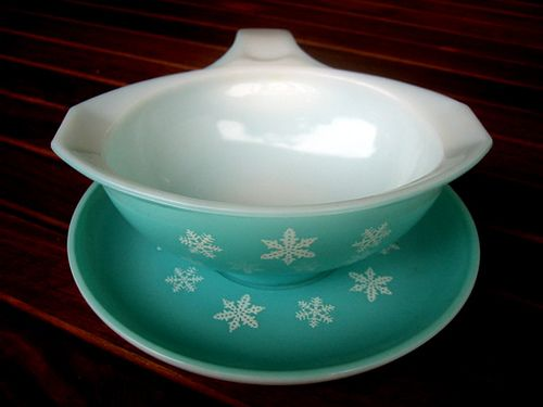 Pyrex from Australia. A gorgeous vintage turquoise gravy bowl and saucer...  made by  Pyrex with the white snow flakes....
