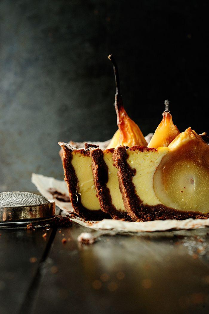Kruche ciasto z zatopionymi gruszkami w mascarpone
