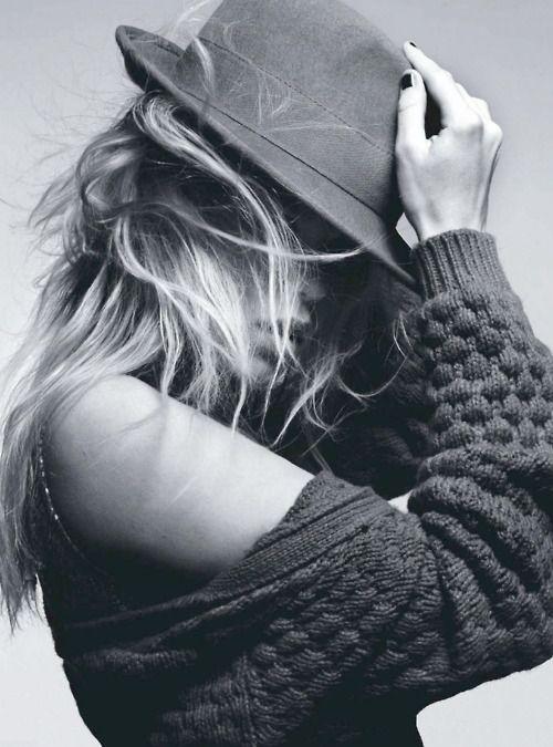 .Messy Hair, Style, Fedoras, Longer Hair, Fashion Hats, Hats Hair, Knits Hats, Knits Sweaters, Chunky Knits