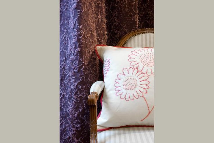 Galerie Antoine d'Albiousse  @antoinedalbiousse  #AntoinedAlbiousse #Boyac#INTERIOR#flower##peonies #upholstery_seattle##inspiration #pink #brown #fabrics #tissus #harmony #upholstery #interiordesign #homedecor #luxuryfabrics #interiorfabric#lifestyle #style #chic #picoftheday #instadaily #amazing #beautiful #paris