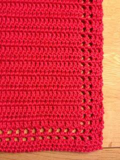 Håndklæde 2          Håndklædet måler 43 x 33 cm, er hæklet i 100% bomuld, løbelængde 120 m på hæklenål 2, der er hæklet frem og tilbage i ...