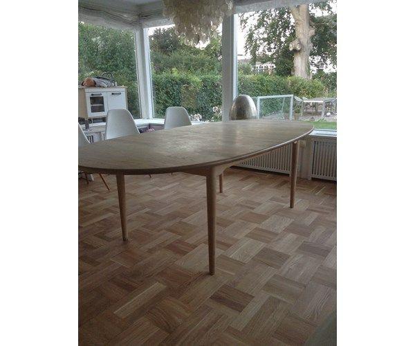 """Marianne Wegner, bord, CH325, """"CH 325"""". Ovalt spisebord af"""