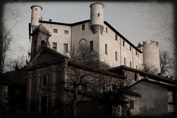 Castle of Cortanze. Find out more about the ghost story behind it...Piemonte, Italy #Halloween