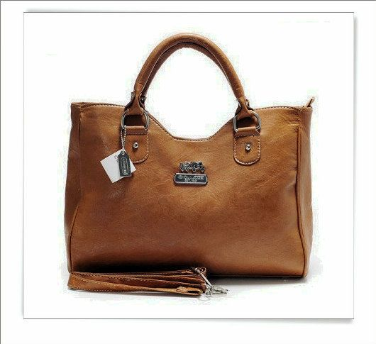 coach wallet For Your Girlfriend with Christmas Gift,Cheapest and best Quality.