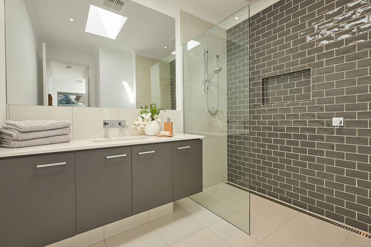 Surrey 38 bathroom.