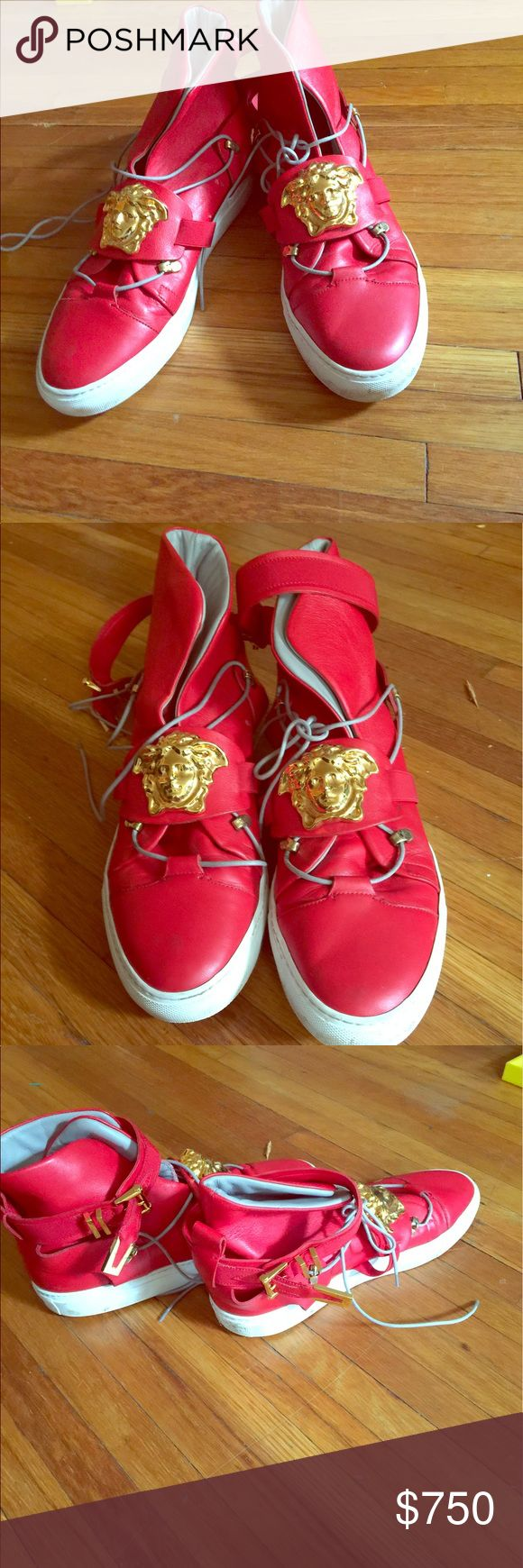 100 Percent Authentic !! Versace Sneakers 43 1/2 Red with gold emblem Versace sneakers size 43 1/2 100 percent authentic!!!! Versace Shoes Sneakers