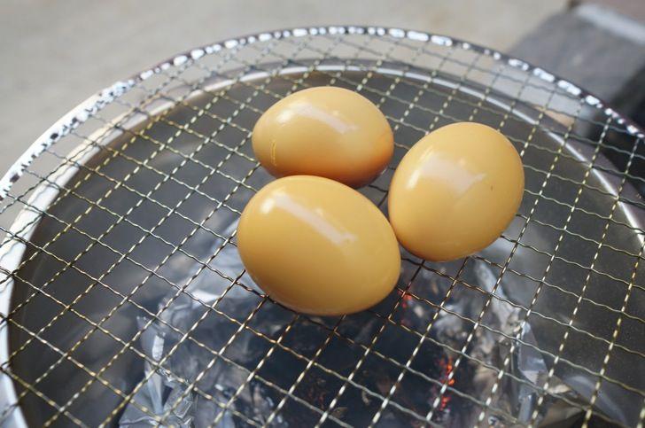 300円でできる簡単薫製器で、半熟ゆで卵と鶏レバーをスモークしてみた!簡単で美味すぎで楽しすぎる! | タムカイズム