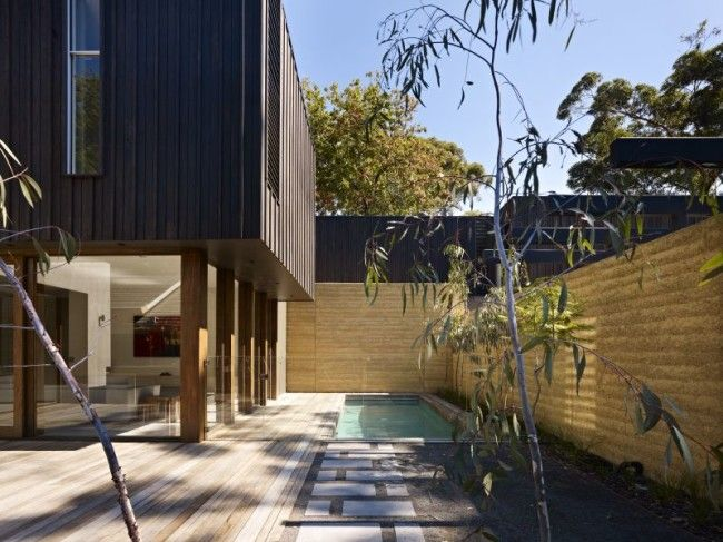 Shiplap timber and rammed earth beauty - Designhunter - Sustainable Architecture with Warmth & Texture