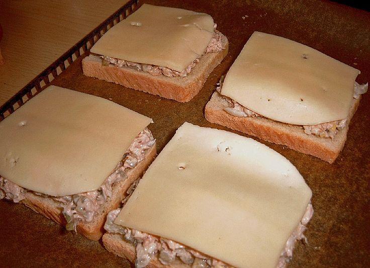 Thunfisch - Toast, ein raffiniertes Rezept aus der Kategorie Snacks und kleine Gerichte. Bewertungen: 12. Durchschnitt: Ø 3,6.