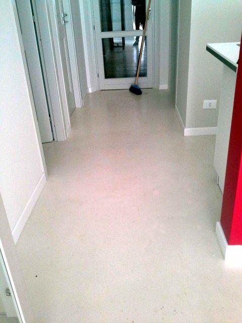 ...  Cemento lucidato, Pavimento in cemento levigato e Casa industriale
