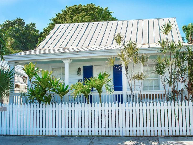 Private Homes, DownTown Vacation Rental - VRBO 513750 - 4 BR Key West Cottage in FL, 1/2 Block Off Duval Street. Undeniable Adorable Authentic Wooden Cottage. Pool.