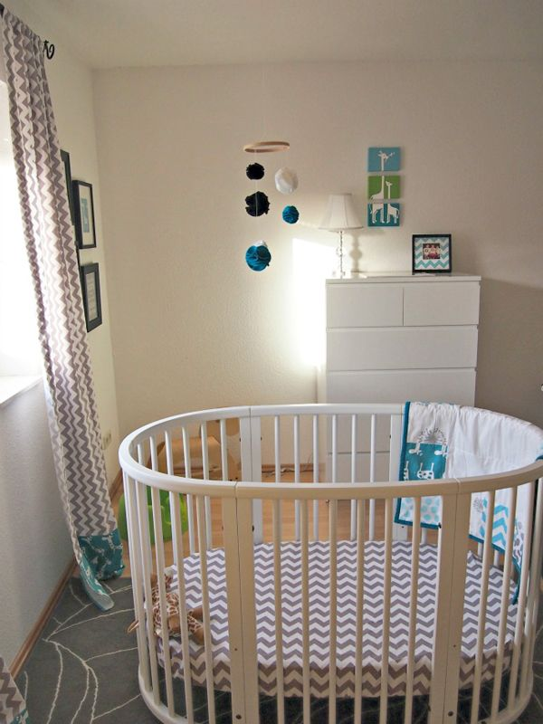 stokke-sleepi-crib-custom-bedding-gray-chevron-teal-white-nursery1.jpg 600×800 pixels