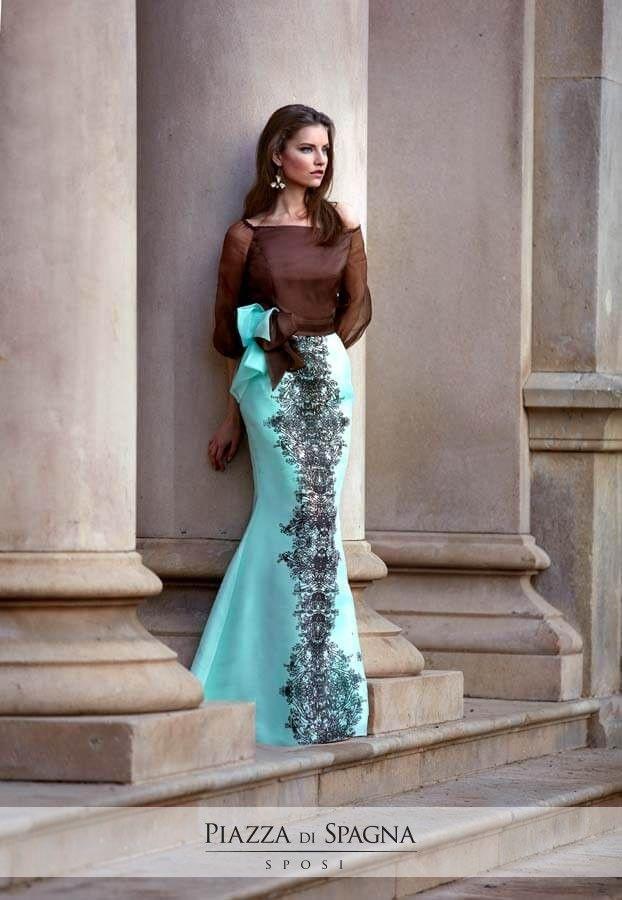 Lasciati emozionare, guarda tutti gli abiti da cerimonia Maria Coca su http://www.piazzadispagnasposi.it/collezioni/cerimonia-donna/maria-coca/