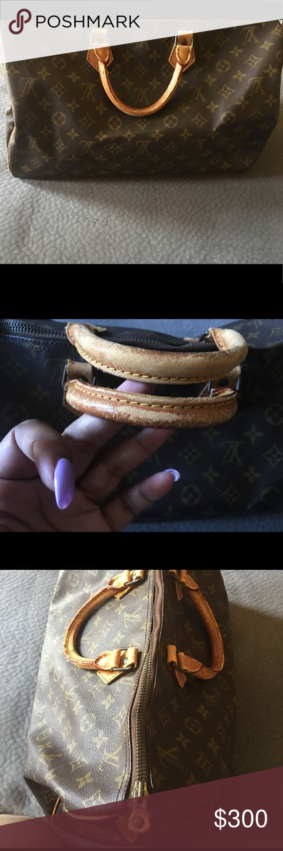 Authentic Louis Vuitton Speedy 40 Vintage speedy 40 the biggest speedy they makes zipper works fine inside looks good pictures as shown Louis Vuitton Bags Shoulder Bags