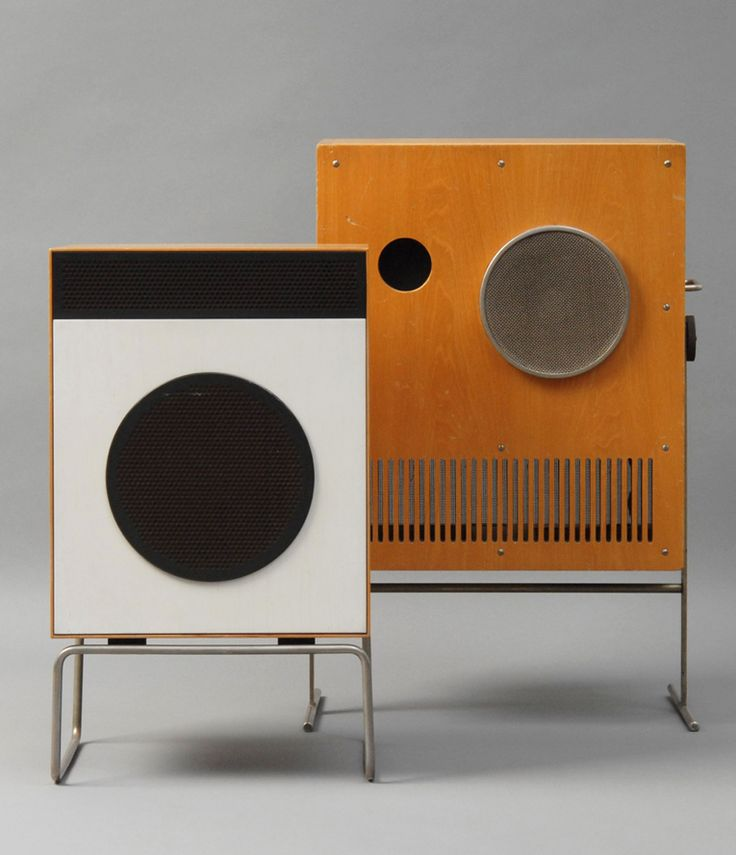 Dieter Rams, loudspeaker L2, 1958. Max Braun OHG, Frankfurt. Karl Clauss Dietel and Lutz Rudolph, studio-loudspeaker with amplifier VS 1-32, 1965. HELIRADIO Gerätebau Hempel, Limbach-Oberfrohna. Photo: A. Laurence. Exhibition East and West: DDR / BRD. The International Design Museum Munich and Neues Museum für Kunst und Design in Nuremberg