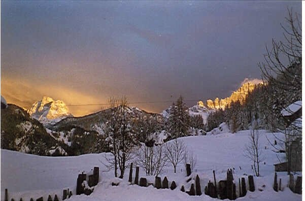 DOLOMITI,ITALIA. Laste, Monte Pelmo, Monte Civetta