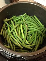 Green beans in the pressure cooker, yet another vegetable that takes 3 minutes. Cook a pile ahead and use them for the week