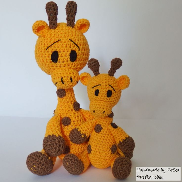 Háčkovaná rodinka - dve žirafky