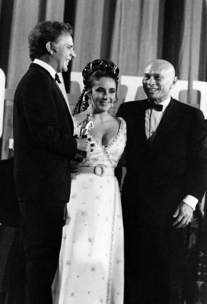 Yul Brynner, Liz Taylor and Richard Burton  1961
