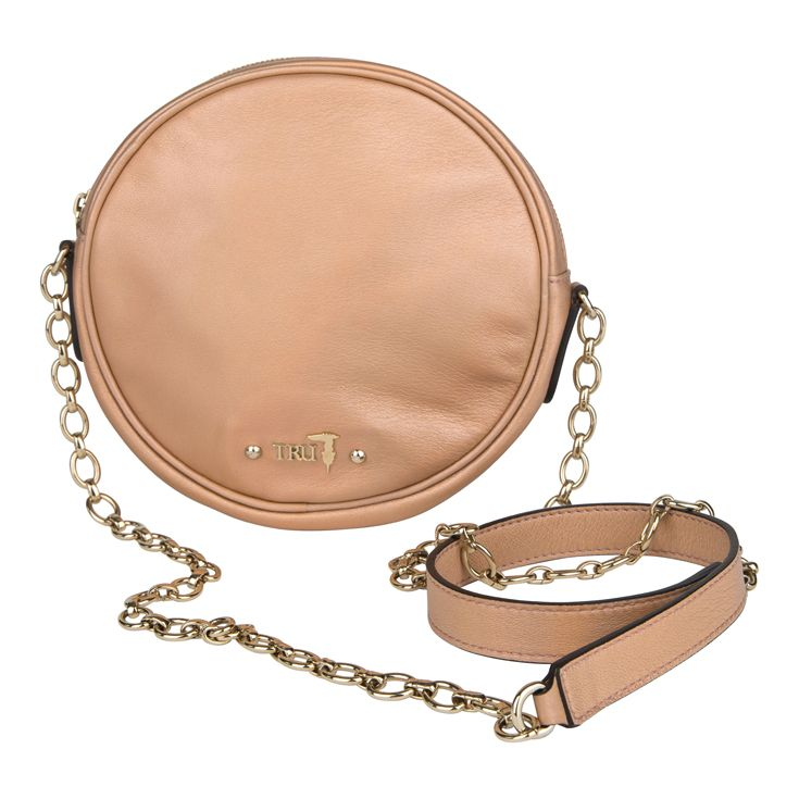 Let´s get the party started with this unique cross body bag from #TrussardiJeans