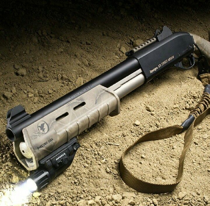 "CBQ Remington 870 express with 14"" barrel, magpul foregrip, ghostring sights and inforce light"