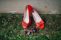 Chaussures et lunettes de mariée 100% guinguette