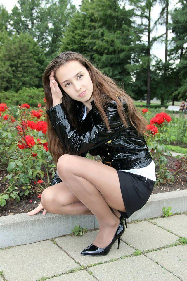 Sexy nylon teen