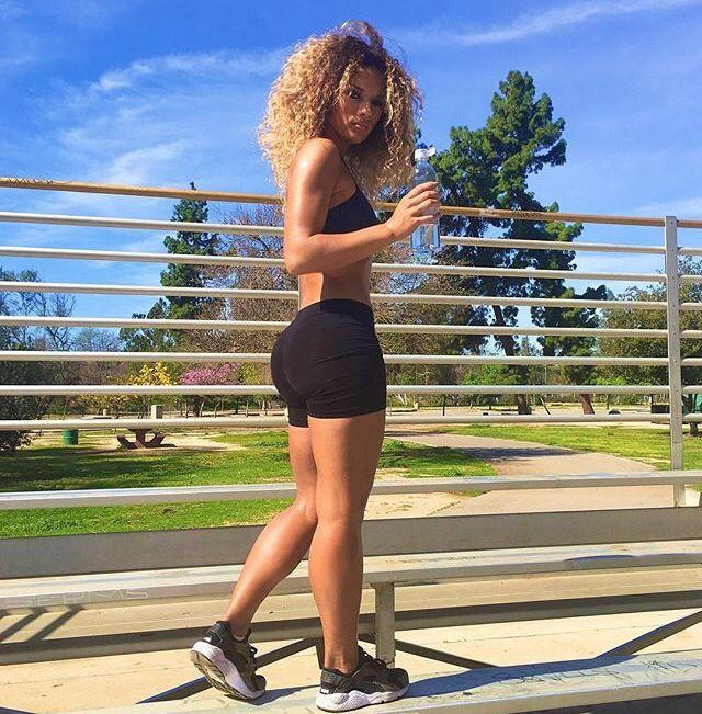 @jenafrumes S-curve workout ready | No Nonsense Butt