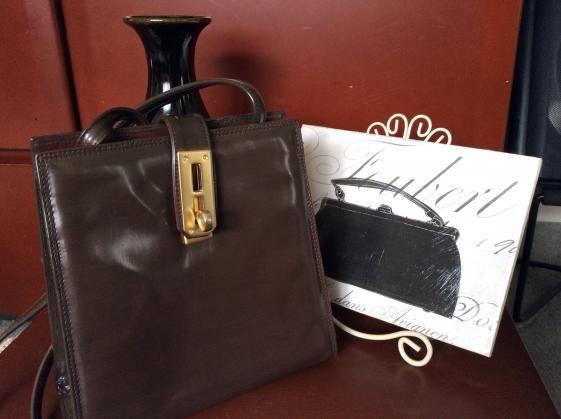 Round She Goes - Market Place - Vintage Oroton cross body bag