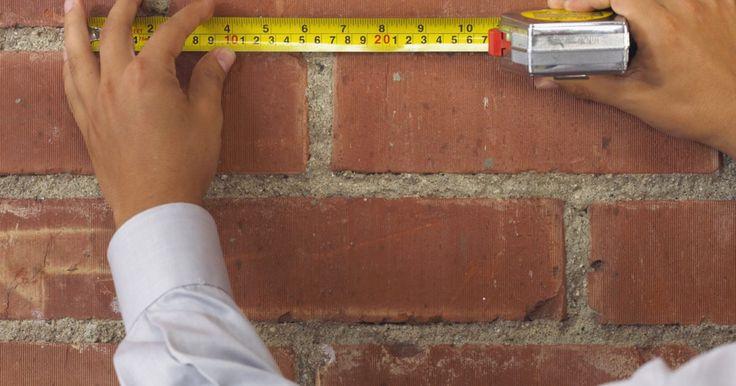 Cómo imitar una pared de ladrillo con estuco. El estuco es un tipo de material de yeso que se puede aplicar a las paredes como revestimiento sobre paneles de yeso, o para crear un efecto texturado o en capas. Si tienes paciencia y algunos conocimientos en texturas de pared, puedes utilizar el estuco para hacer una imitación de ladrillo. La combinación de la textura natural del ladrillo y la ...