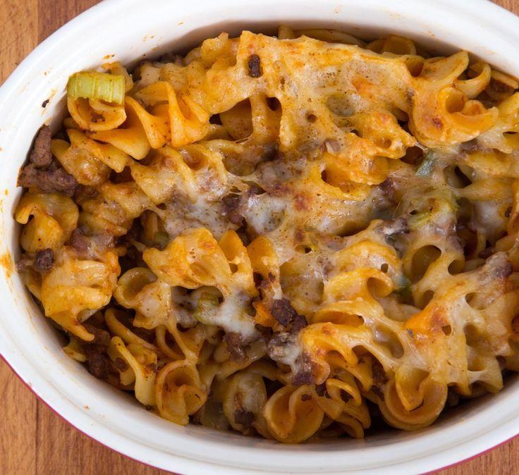 Crockpot Cheeseburger Macaroni Casserole :http://slowcookerkitchen.com/recipe/crockpot-cheeseburger-macaroni-casserole/