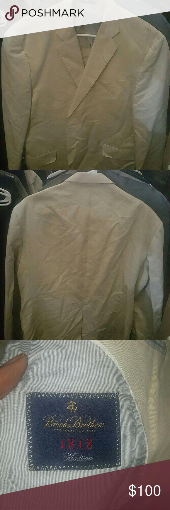 Brooks brothers blazer Too small for me Brooks Brothers Suits & Blazers Sport Coats & Blazers