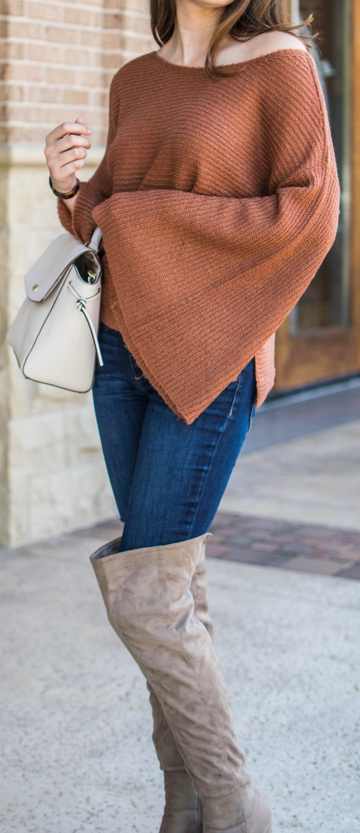 #fall #outfit #falloutfit #sweater #sweateroutfit #bellsleevesweater