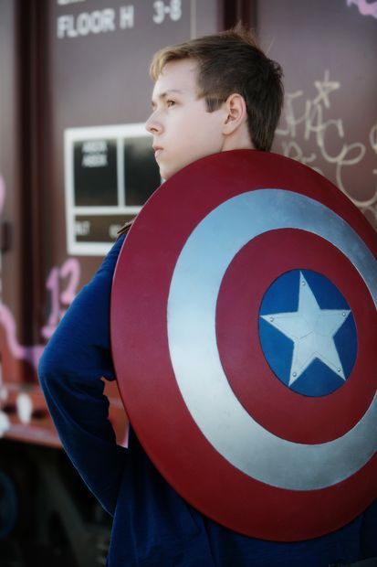 DIY Captain America shield tutorial | costume idea