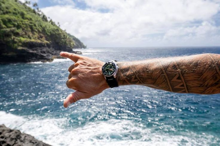 Stay strong! Weekend is coming soon! 😎  #chrisbenzwatches #chrisbenz #sharkproof #divewatch #oceanteam #worldwide #surfing #diving #kiting #sailing #snorkeling #watersports #islandstyle #beachday #lifeisbetteratthebeach #happyweekend #tgif