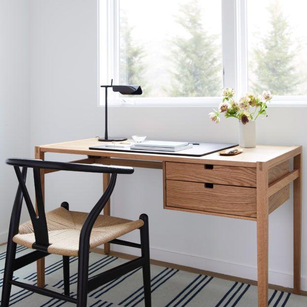 Garfield Desk In 2020 Small Wood Desk Furniture Classic Wood Desk