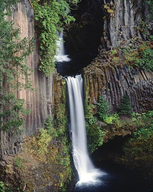 Umpqua River waterfalls